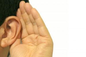 耳を澄ます人
